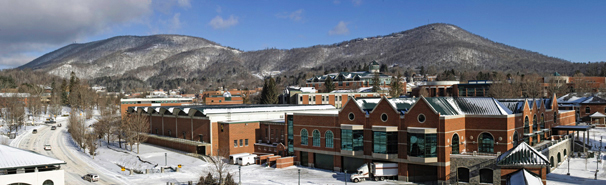 Panoram campus snow