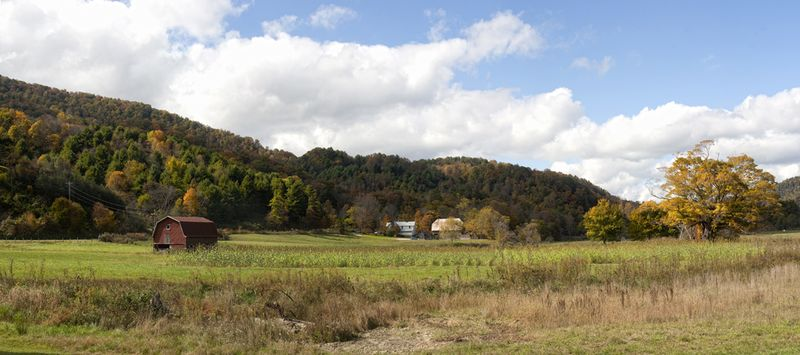 Valle Crucis pano_blog