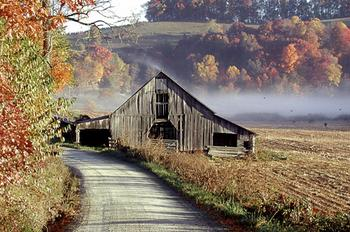 Autumn_barn.jpg